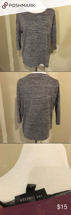 The Limited marled gray raglan shirt The limited raglan style shirt. Marled gray. Size large. Very soft material. Worn only a few times. Quarter length sleeves. The Limited Tops