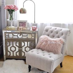 Happy Thursday!✨Here's a new vignette in my restyled bedroom which you can see more of on my blog.(link in profile @2ladiesandachair )Have a fabulous night! ✨ #bedroomdecor #bedroomdesign #pinkpillow #pinkflowers #nightstand #neutraldecor #decorinspo #interiors #interiorstyle . . . . . #mypotterybarn #housebeautiful #homegoods #homegoodshappy #hgtvhome #verandamagazine #myBHG #inspire_me_home_decor #makehomeyours #mypotterybarn #cozy #veranda #betterhomesandgardens @homegoods @potterybar...