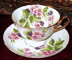 Shelley England Bramble Berry Fruit Tea Cup and Saucer Floral Duo! Vintage Crockery, Antique Tea Cups, Vintage Tea, Vintage China, Cup And Saucer Set, Tea Cup Saucer, Teapots And Cups, Teacups, China Tea Sets