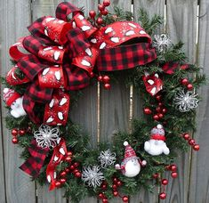 Winter / Holiday Wreath - White Birds Wreath - Whimsical Birds Wreath in Red…