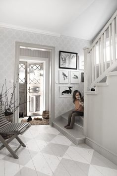 Real Estate Agents and Home Design & Decoration services by House of Valentina will turn your House into a Sellable Home! Cottage Shabby Chic, Cottage Style, Swedish Cottage, Hallway Inspiration, Interior Inspiration, Hallway Ideas, Painted Wood Floors, My Dream Home, Beautiful Homes