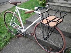 Cool front rack on a flat bar single speed