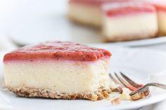 Vegan plum and millet cheesecake. I Love Food, Matcha, Panna Cotta, Nom Nom, Cheesecake, Cooking Recipes, Treats, Vegan, Baking