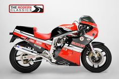 The bike that started it all. The Suzuki GSX-R750. The first one! This one still races!
