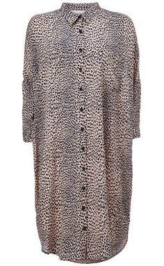 Kokoon — Oversize Shirt Dress Print (2.050 DKK).