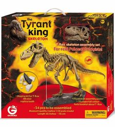 Geo world Tyrant King Skeleton – Assembly Set  A complete kit to live the thrill of a scientific expedition in search of fossilized dinosaur remains. The package contains a T-Rex in 54 pieces to be assembled, faithful replica of a specimen in 1:10 scale, a rock-like base on which to display it, a poster with the assembly instructions and an illustrated book on T-Rex, which describes its environment, characteristics and habits. In addition, the replica of a T-Rex tooth in cross section is…