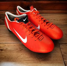 Soccer Cleats, Soccer Players, Soccer Stuff, Football Shoes, Nike Free, Fashion Shoes, Sneakers Nike, Sports, Football Boots
