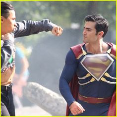 Tyler Hoechlin Films a Big Fight Scene in His 'Superman' Suit!