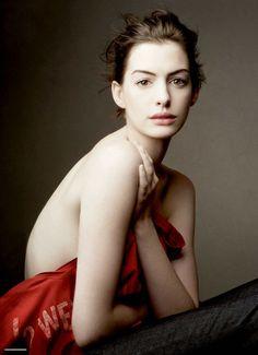 Anne Hathaway. Photo: Annie Leibovitz 2012. Vogue.