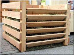 Egyedi fa komposztáló láda, kattint >>> nagyobb kép Garden Compost, Greenhouse Gardening, Vegetable Garden, Compost Container, Homestead Gardens, Garden Inspiration, Home Projects, Grass, Woodworking