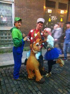 Con Mario y Luigui