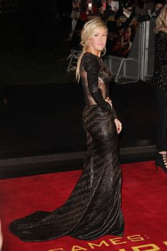 Ellie Goulding and her AMAZING dress! :)