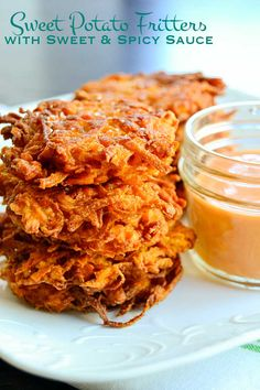 Lightly seasoned and pan fried these sweet potato fritters are served up with a sweet and spicy sauce. Perfect for tailgating or as an easy side dish. Side Dishes Easy, Side Dish Recipes, Gourmet Recipes, Vegetarian Recipes, Cooking Recipes, Fancy Dishes, Cooking Tips, Tapas, Sweet Potato Fritters