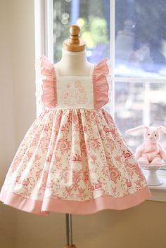 Girls April Bunny Dress in Pink – Kinder Kouture Abiti Per Bambine Piccole d773cf8a72b