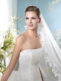 AMILIA | Wedding Dresses | Costura 2014 Collection | San Patrick (close up)