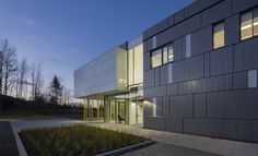 Gallery of Harfang-Des-Neiges Primary School / CCM2 Architectes + Onico Architecture - 12