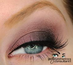 MAC eyeshadows used:  Trax (inner half of lid) Beauty Marked (outer half of lid) Shale (crease) Blanc Type (blend)