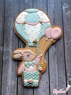 ¿Vamos en globo? • As Dulce Juana M Solano Galletas Decoradas Cookies For Kids, Baby Cookies, Baby Shower Cookies, Biscuit Cookies, Cute Cookies, Easter Cookies, Royal Icing Cookies, Cupcake Cookies, Sugar Cookies