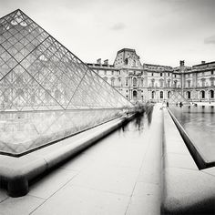urban photography in black and white by Martin Stavar