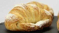 """La """"brioche"""" del mattino: il danese involto - RSI Radiotelevisione svizzera Bagel, Bread, Food, Brioche, Brot, Essen, Baking, Meals, Breads"""