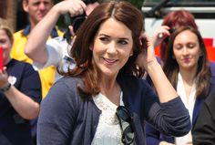 Crown Princess Mary in Winmalee. Photography by Stuart Coleman.