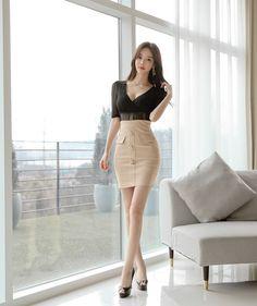 Cute Asian Girls, Beautiful Asian Girls, Women With Beautiful Legs, Korean Girl Fashion, Good Looking Women, Asian Woman, Beauty Women, Asian Beauty, Fashion Outfits