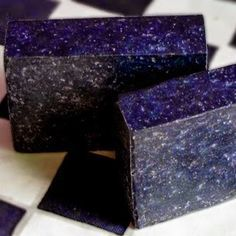 This is one of my favorite recipes. It produces a hard, long-lasting bar with in. - This is one of my favorite recipes. It produces a hard, long-lasting bar with insanely wonderful la - Diy Savon, Savon Soap, Soap Making Recipes, Homemade Soap Recipes, Homemade Beauty, Diy Beauty, Lavender Soap, Lavander, Lotion Bars
