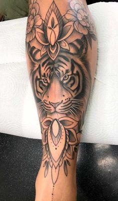 Black Tattoos, Body Art Tattoos, Tatoos, Hip Tattoo Designs, Dope Tattoos For Women, Stylist Tattoos, Feminine Tattoos, Inked Girls, Mandala Tattoo