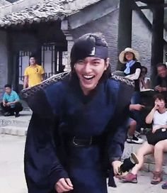 One of my favourite LMH laughs. (Outtake from Faith / The Great Doctor) vid source Boys Before Flowers, Boys Over Flowers, Asian Actors, Korean Actors, Korean Dramas, Minho, Lee Min Ho Faith, The Great Doctor, City Hunter