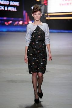 AW1314 SIS collection by Spijkers en Spijkers @ Amsterdam Fashion Week  http://spijkersenspijkers.nl/collection-sis/autumnwinter-13-14/ http://spijkersenspijkers.nl/shop/ #amsterdamfashionweek #sis #sisbyspijkersenspijkers #spijkersenspijkers #fashion #mode #style #eyes #eye #eyeprint #dress #inspiration #jurk #oogjes