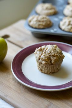 Whole-Wheat Apple Ginger Muffins (vegan) - only makes 10 muffins, use 1 tsp ground ginger.