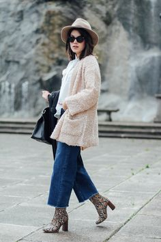 cropped jeans with snake booties from mango look myblueberrynightsblog @mangofashion @furla @sfer