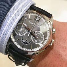 Buying The Right Type Of Mens Watches - Best Fashion Tips Big Watches, Sport Watches, Cool Watches, Wrist Watches, Popular Watches, Best Watches For Men, Luxury Watches For Men, Patek Philippe, Beautiful Watches