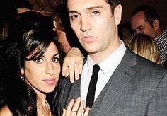 16-Aug-2015 12:18 - 'AMY WINEHOUSE DACHT DAT ZE ZWANGER WAS'. Amy Winehouse dacht vlak voor haar dood dat ze zwanger was. Dat onthult haar vader Mitch Winehouse in een interview met de Australische zender Channel Seven.