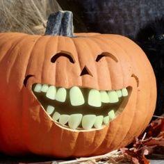 glow in the dark buck teeth for pumpkins
