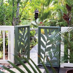 Build a leaf gate - Great Ideas from the Western Garden Book of Landscaping - Sunset