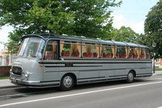 Top restaurierter Oldtimer Setra S 12  Nostalgie-Reisen Ockstadt , Baujahr 1967, komplett restauriert 2000 bis 2002, 12.05.2012 Bruchsal, mehr Information unter http://www.powalski.com/restaurationsbericht/2004/Reimche_S_12.php