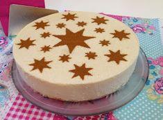 Esta tarta la prepare este verano para llevarla a casa de unos amigos que nos habían invitado a una barbacoa en su casa, y TRIUNFE!!!!!....l...