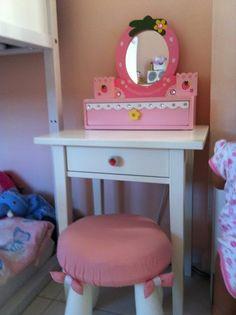 DIY kids vanity...maybe for Hannah's room