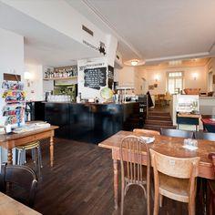 Gartenhof - one of Nora's favorite restaurant Swiss Style, Coffee Places, Restaurant Bar, Restaurants, Hotels, Dining, Switzerland, Table, Commercial