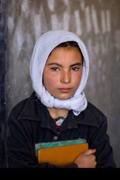 121clicks.comPortraits of Steve McCurry - An Amazing Collection - 121Clicks.com