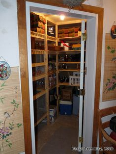 How to Build a Cold-storage Unit - For storing your veggies, and home-canned goods!