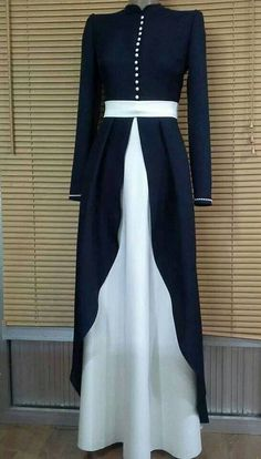 Perfect outfit for wife of military at special event. Abaya Fashion, Modest Fashion, Fashion Dresses, Eid Dresses, Moslem Fashion, Modele Hijab, Abaya Designs, Muslim Dress, Islamic Fashion