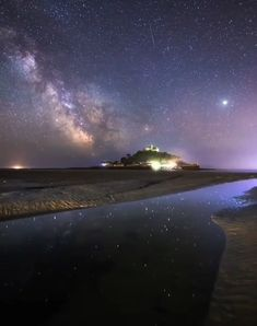 "Milky way timelapse. St Michael's Mount ""I've been working on something special with my night sky timelapse St Michael's Mount, Beautiful Places, Beautiful Pictures, Space And Astronomy, Sky Aesthetic, Galaxy Wallpaper, Milky Way, Stargazing, Nature Pictures"