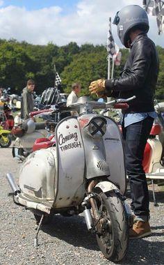 Lambretta - Rat.. Piaggio Scooter, Scooter Bike, Vespa Lambretta, Moto Bike, Motor Scooters, Vespa Scooters, Vespa Retro, Classic Vespa, Italian Scooter