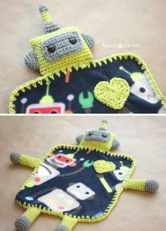 Lovely Robot crochet blanket