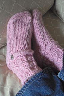 Ladies Cabled Cuff Boots pattern by Lisa van Klaveren