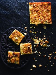Κασιόπιτα ή ζαρκόπιτα από την Ήπειρο - www.olivemagazine.gr Pastry Recipes, Greek Recipes, Palak Paneer, Waffles, Pie, Herbs, Bread, Vegetables, Breakfast