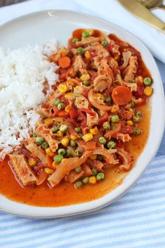 Tasty and traditional recipe of Spring Beef Tripe. A recipe of yore that you can make and enjoy at home, probably bringing some good memories as well. Chilean Recipes, Chilean Food, Tripe Recipes, Beef Tripe, Meat Store, Using A Pressure Cooker, American Dishes, Spanish Food, Food Print
