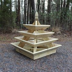 Pyramide Gartenbox - The pallet living wall. This Unique Pyramid Planter Is Great For Growing Strawberries How to build a vertical garden pyramid towe. Woodworking For Kids, Popular Woodworking, Woodworking Furniture, Woodworking Crafts, Woodworking Plans, Wood Furniture, Woodworking Patterns, Woodworking Classes, Woodworking Shop